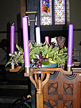 Photograph of St Peter's Advent Wreath 2017